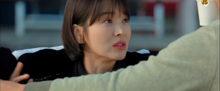 Park Bo Gum lại làm rụng tim người xem vì ngủ gật, tựa đầu lên vai Song Hye Kyo trong tập 4 Encounter