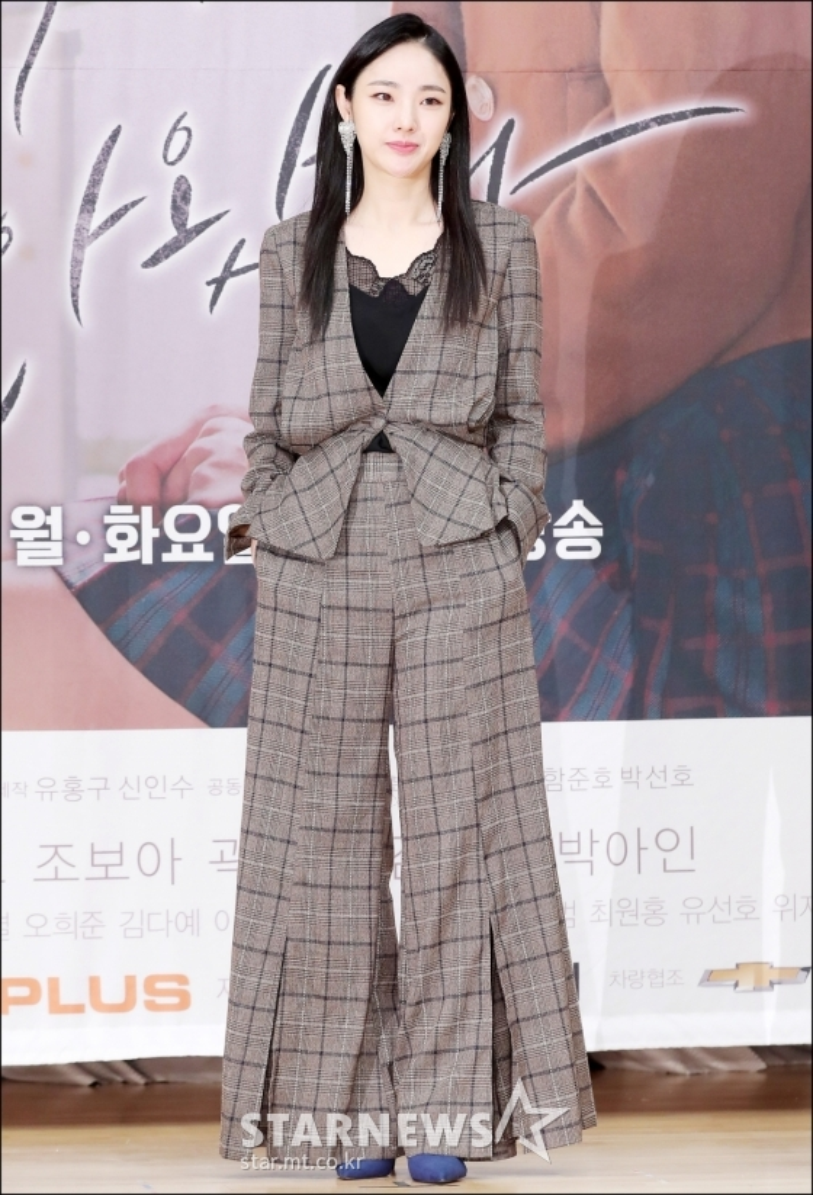Họp báo My Strange Hero: Jo Bo Ah xinh ngất bên mỹ nam Yoo Seung Ho và Kwak Dong Yeon