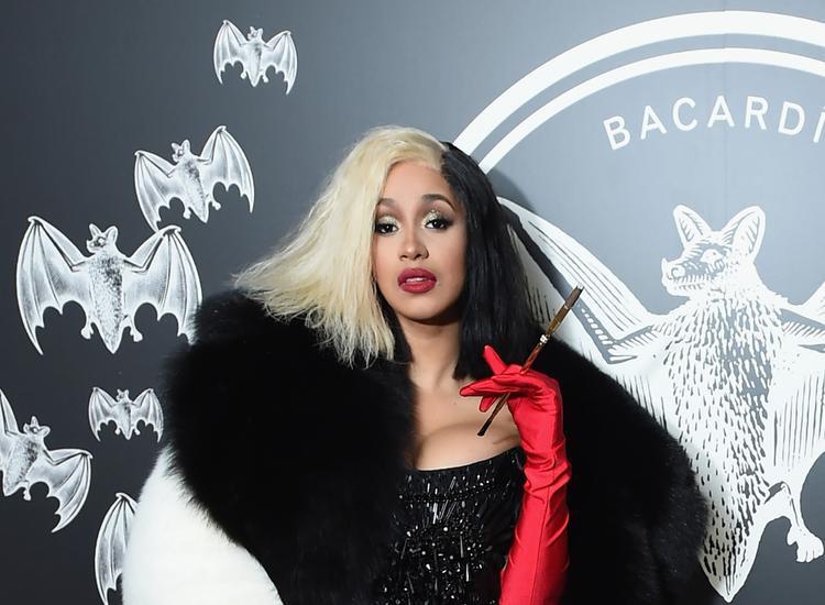 Cardi B đã phá tất cả kỉ lục của các nữ rapper thế hệ trước chỉ trong thời đầu sự nghiệp của mình.
