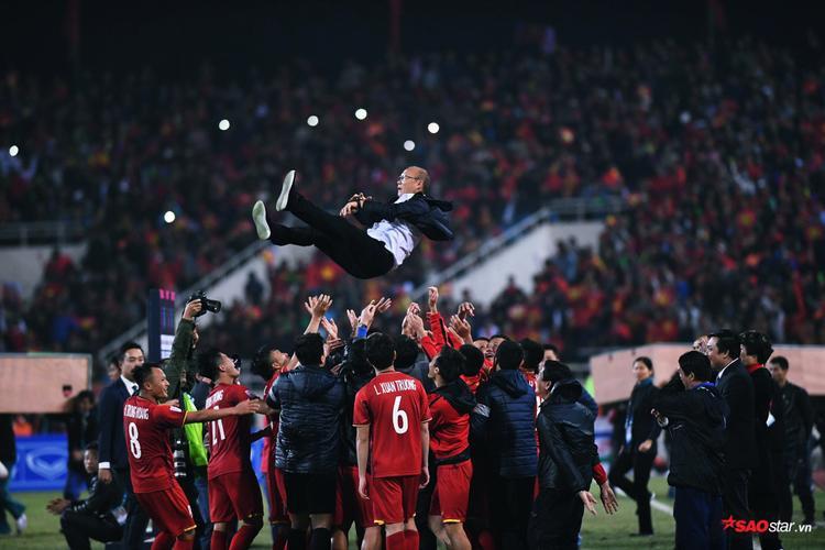 Việt Nam sau 10 năm lại vô địch AFF Cup.