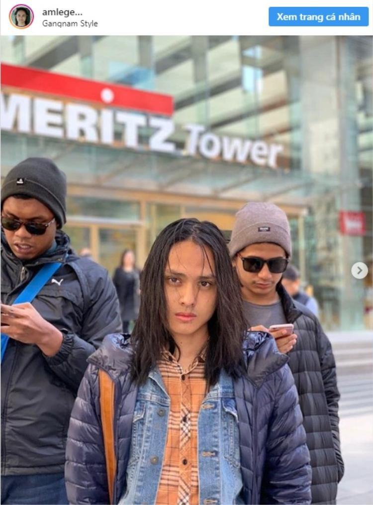 Aziz quyết định nuôi tóc dài từ vài năm trước.