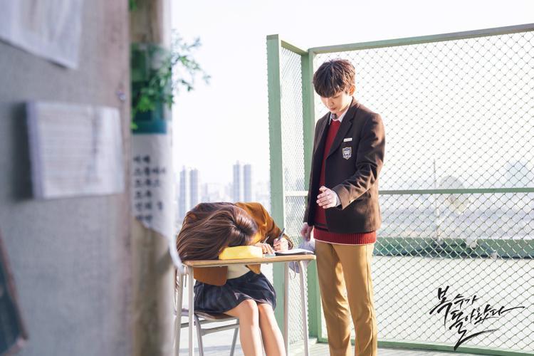 Bok Soo trở về tập 5: Yoo Seung Ho giải cứu Jo Bo Ah trong tình huống nguy hiểm, liệu có nhen nhóm tình yêu cô trò?