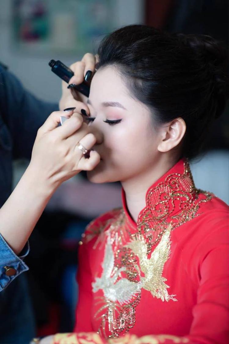 Trang phục của cả hai được thiết riêng Nữ nhà văn đình đám Huyền Trang Bất Hối lên xe hoa với người yêu cũ