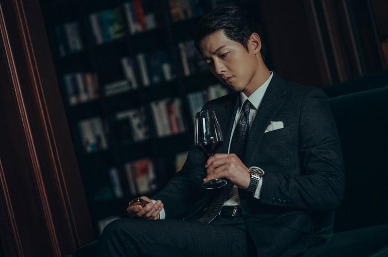 Giải mã chiếc zippo của Song Joong Ki, hình ảnh gắn liền với Vincenzo