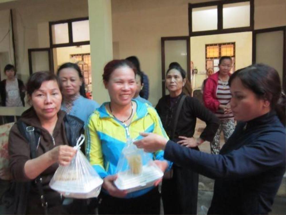 Hành trình làm từ thiện của nữ xe ôm có 2 đời chồng nghiện