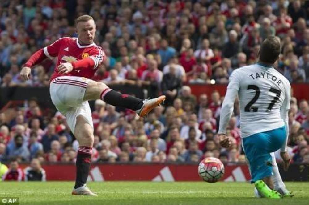 Hàng công do Rooney chỉ huy thi đấu kém sắc sảo