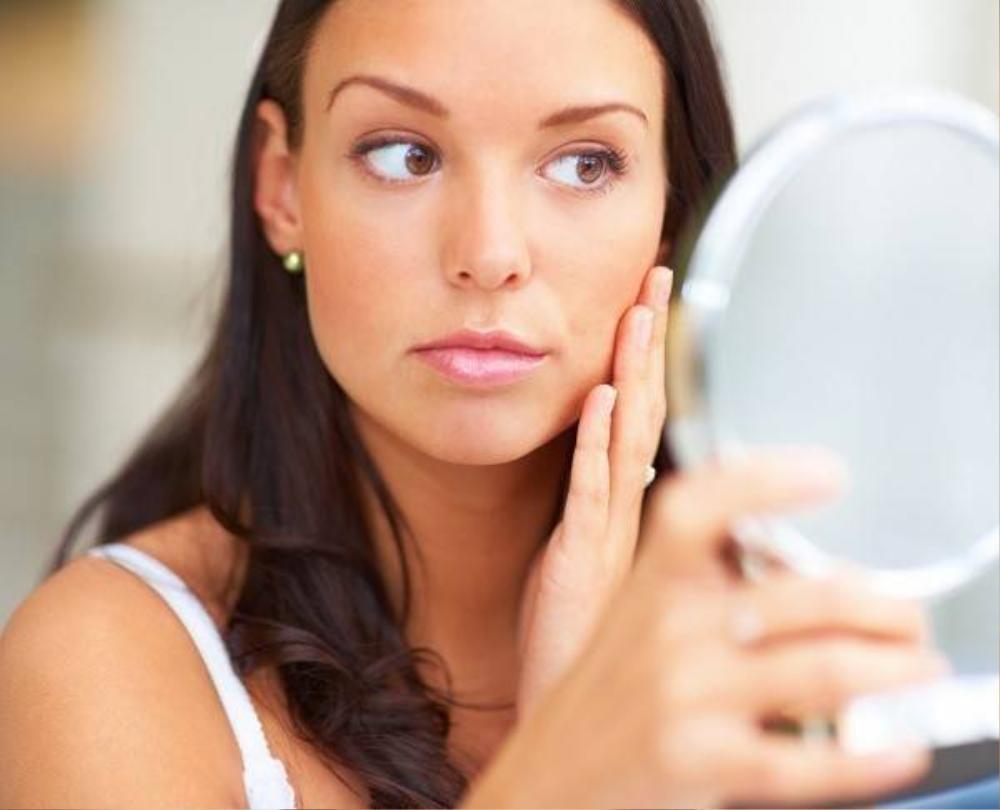 Gan nóng gây ra nhiều vấn đề về da.