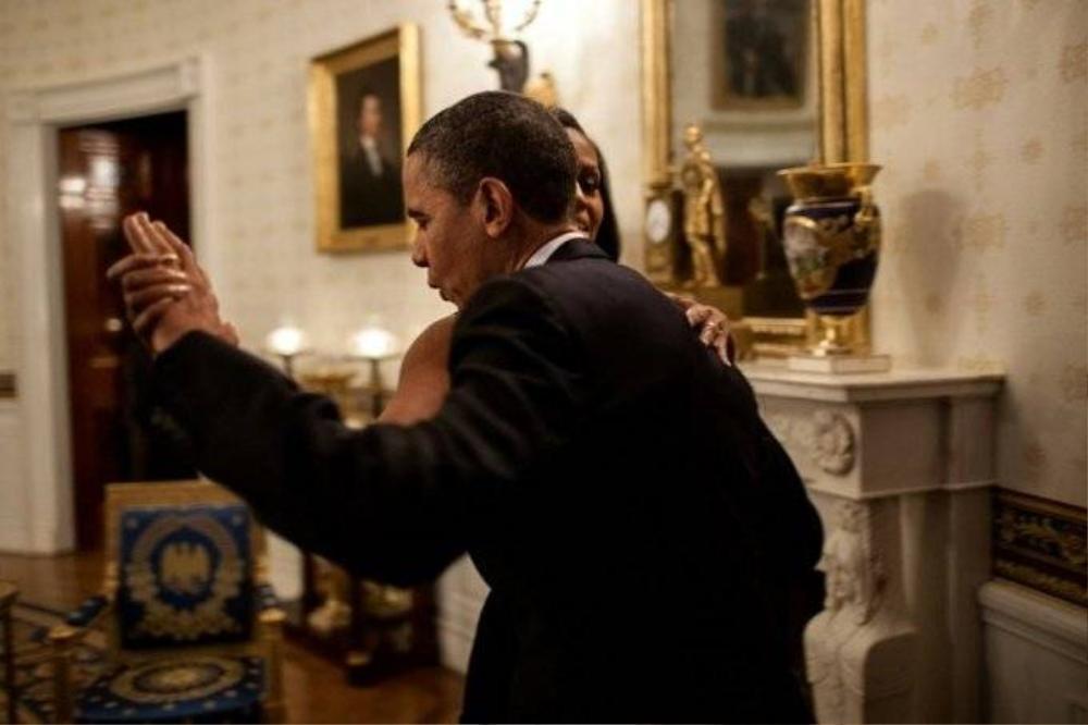 Điệu nhảy ngẫu hứng của vợ chồng Tổng thống trong một buổi hòa nhạc tại Nhà Trắng, tháng 5/2012.