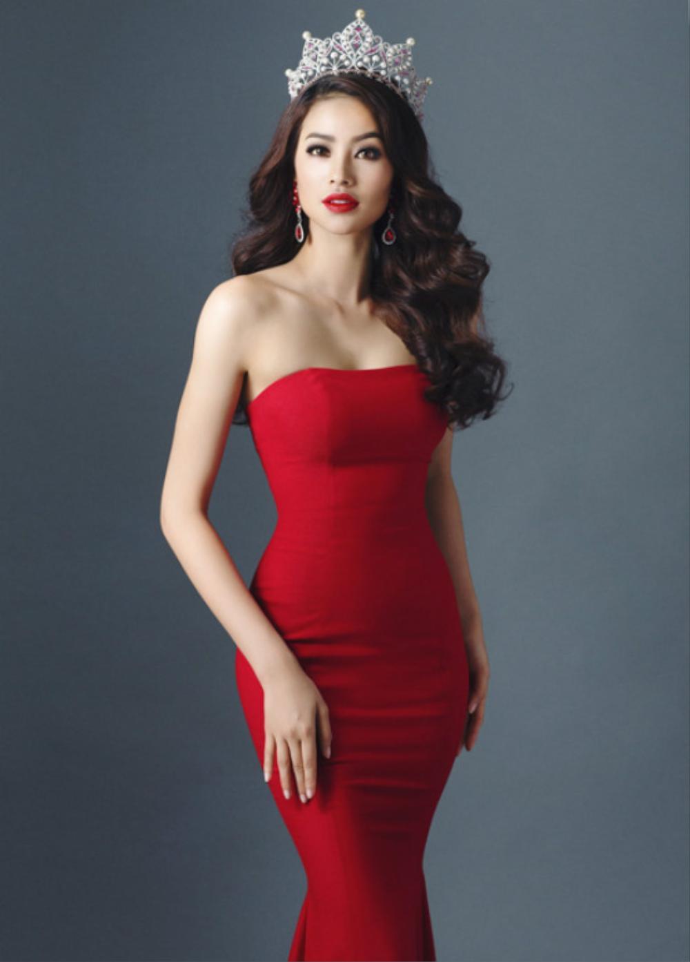 Hoa hậu Phạm Hương.