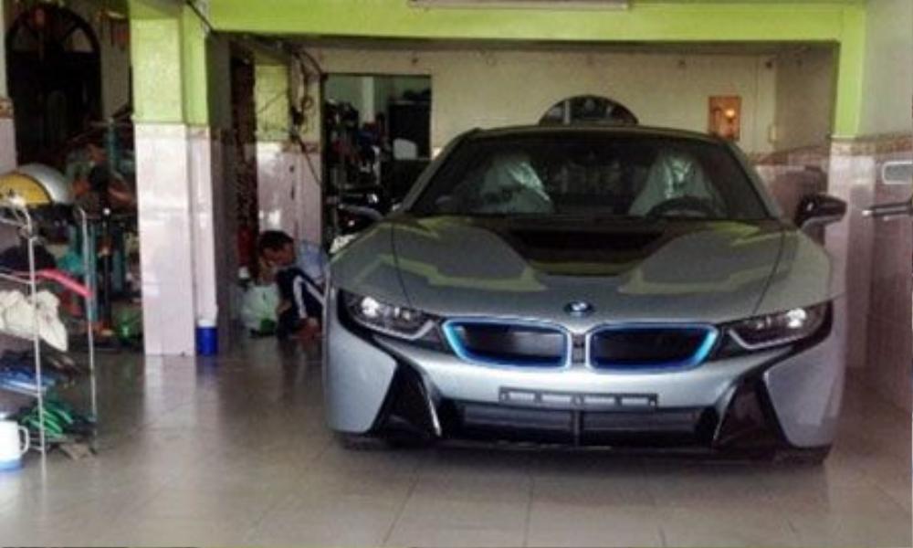 BMW-i82