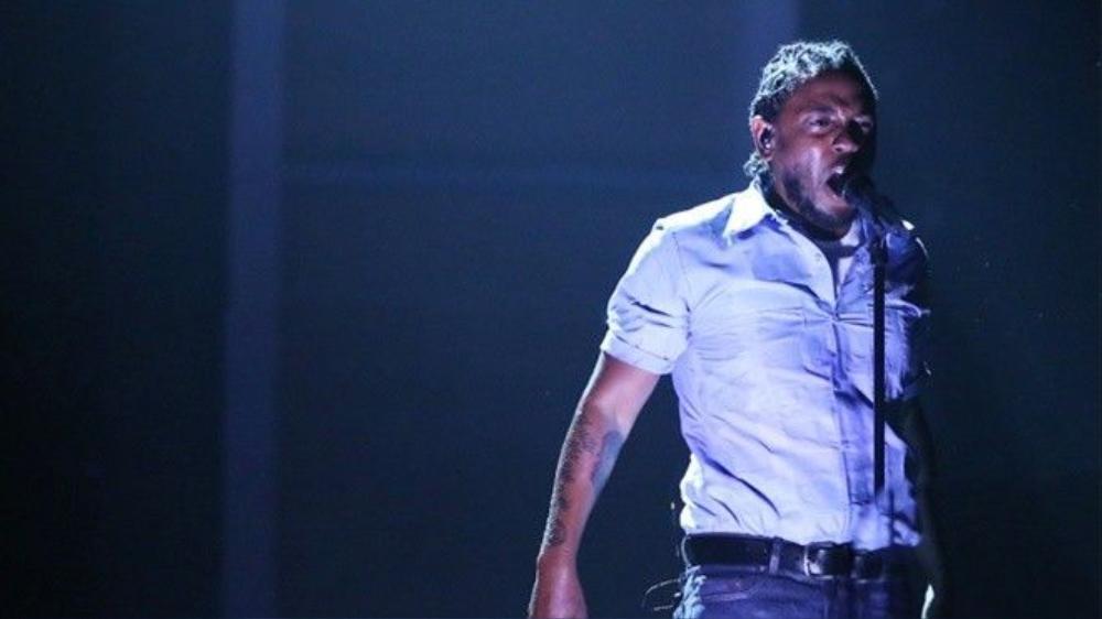 Lamar bùng nổ trên sân khấu Grammy.