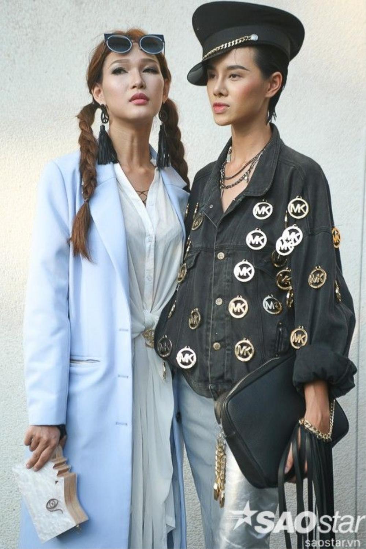 Diệp Linh Châu gây sốt với tóc tết hai sừng đi kèm long coat xanh baby blue.