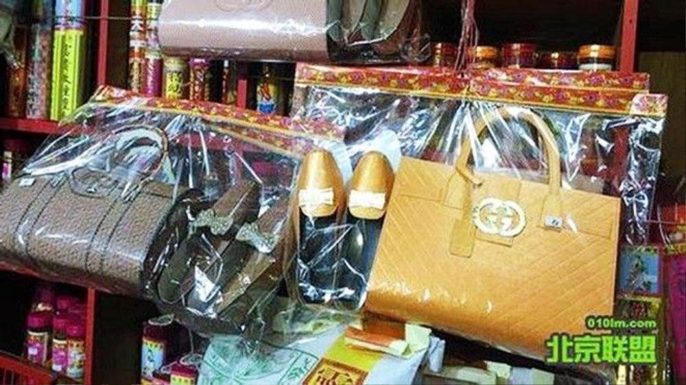 Hàng mã có logo Gucci xuất hiện nhan nhản trên thị trường Hong Kong, Trung Quốc.