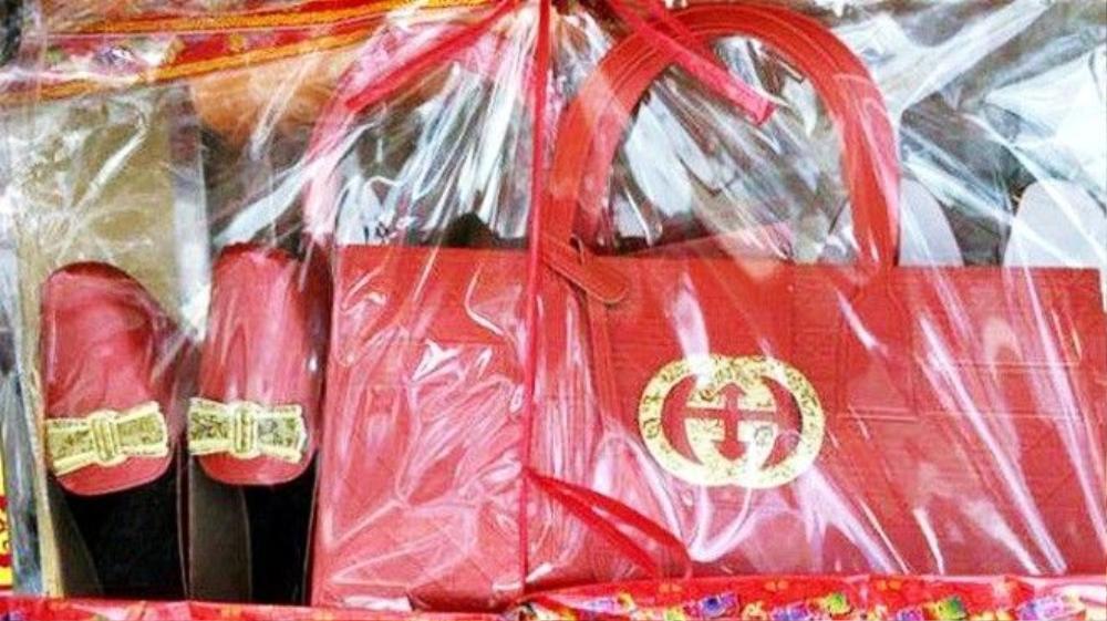 Hàng mã có logo Gucci xuất hiện nhan nhản trên thị trường Hong Kong