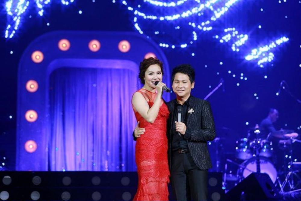 TNgọc Anh và Trọng Tấn thể hiện ca khúc Ngôi sao cô đơn của cố nhạc sĩ Thanh Tùng. Trước đó,Trọng Tấn phiêu linh trong ca khúc Ngày em đến.