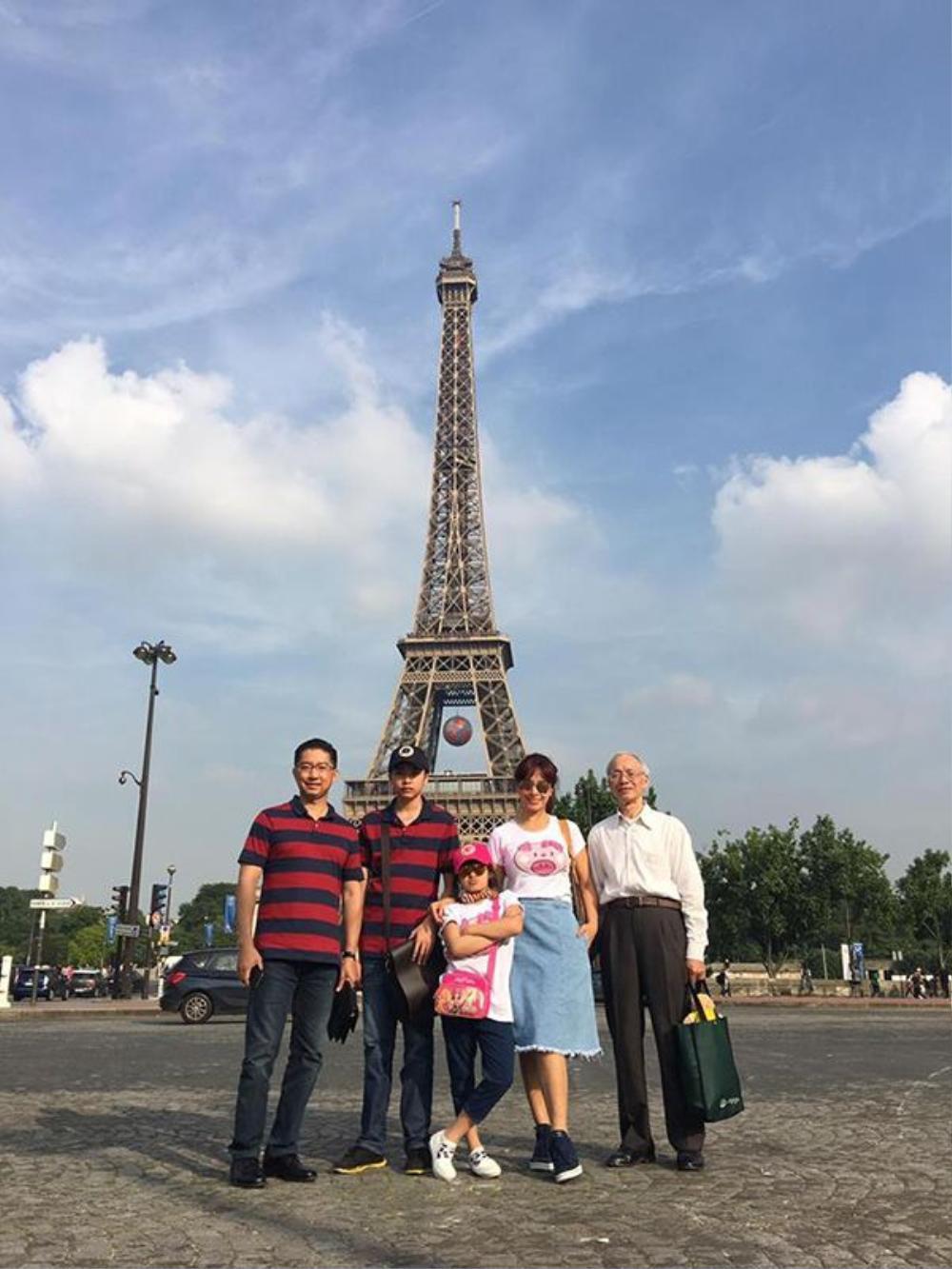 Cả gia đình người mẫu Thúy Hằng vừa tham gia chuyến du lịch châu Âu.