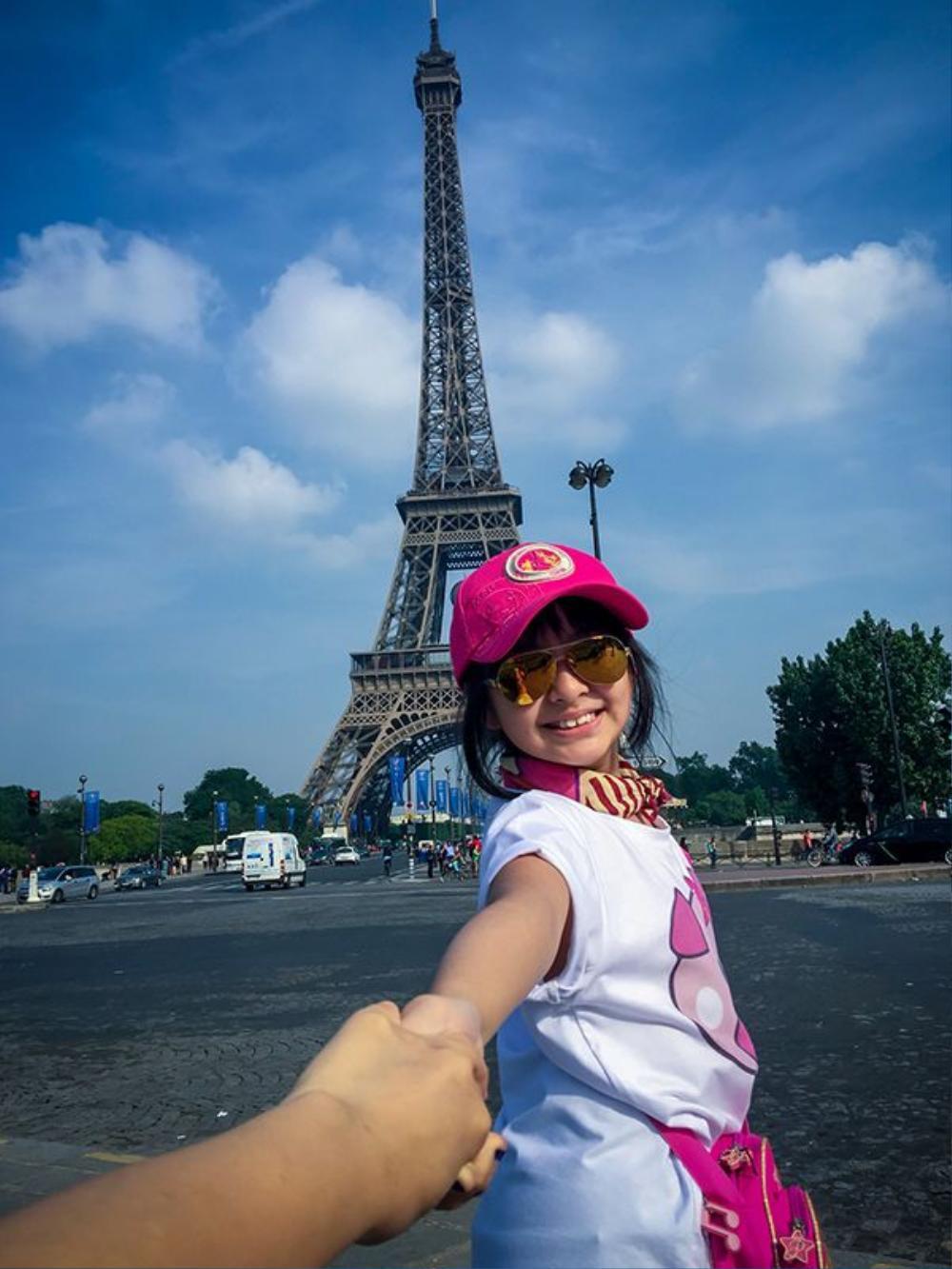 Đặt chân đến Pháp, bất cứ ai cũng không thể không đến tháp Eiffel.