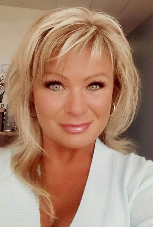 Hình ảnh bà Christy Sheats, 42 tuổi, đã nhẫn tâm bắn chết chính hai cô con gái ruột của mình.