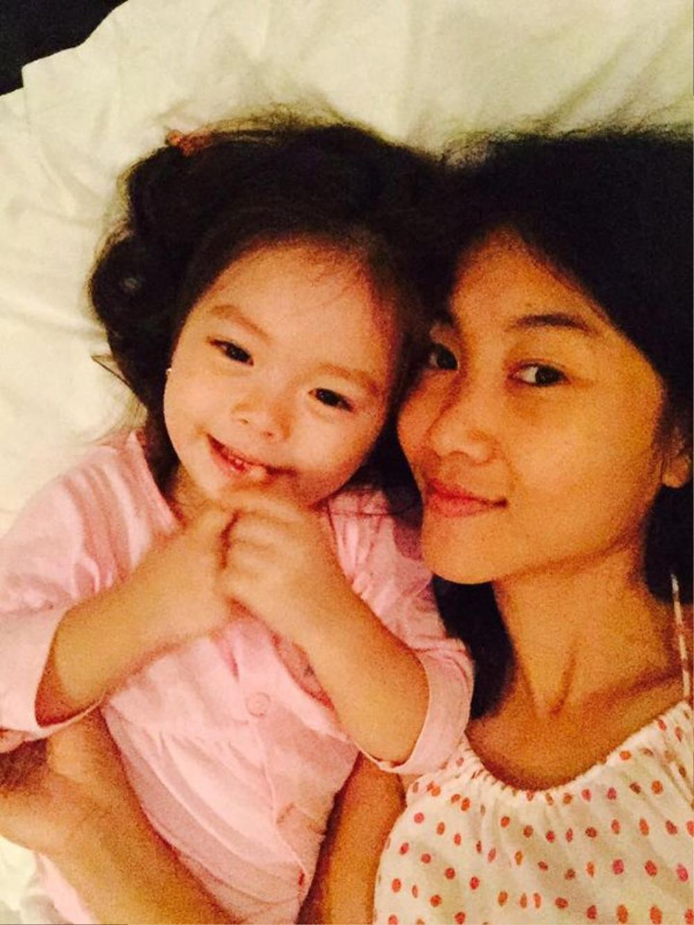 Những khoảnh khắc bình yên của hai mẹ con Đoan Trang.