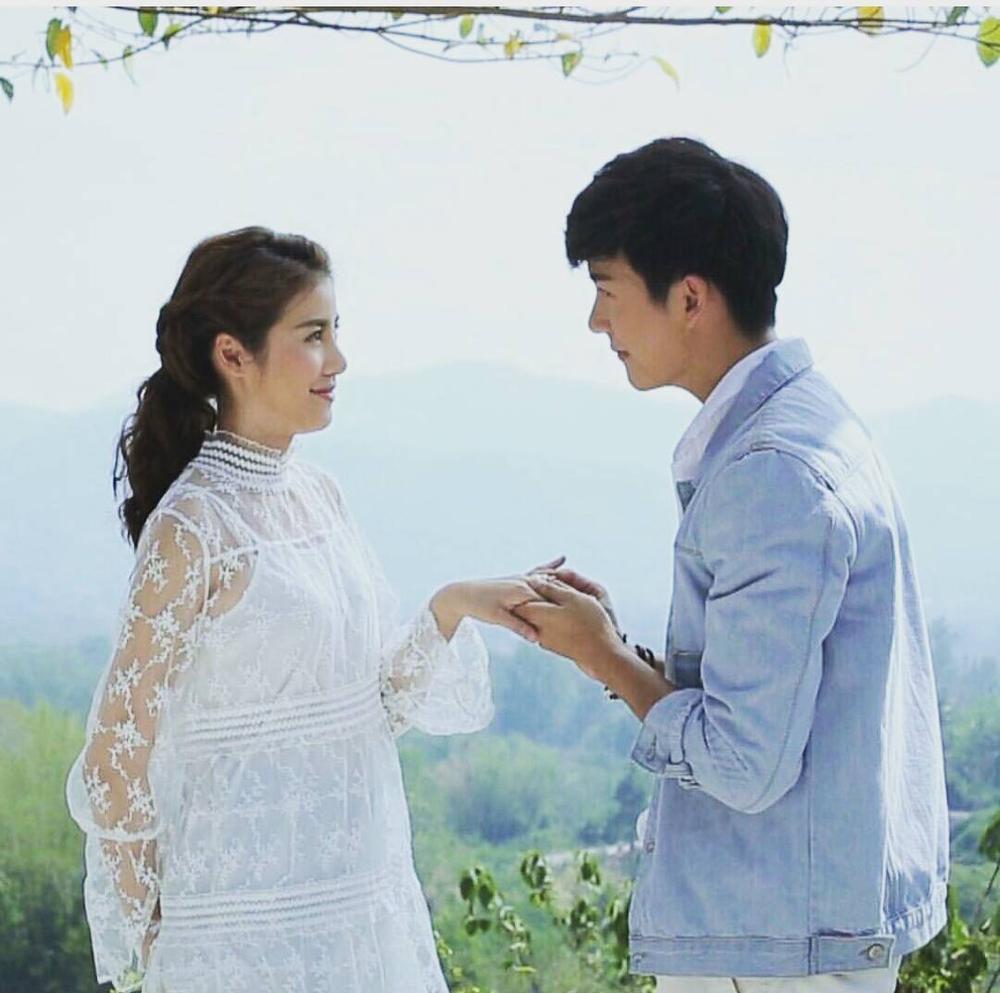 """Khi những cảnh cuối cùng khép lại với nụ hôn lãng mạn và chiếc nhẫn cầu hôn, có ai trong các fan hâm mộ thầm mơ ước """"Giá như tôi cũng có một tình yêu đẹp như thế?"""""""