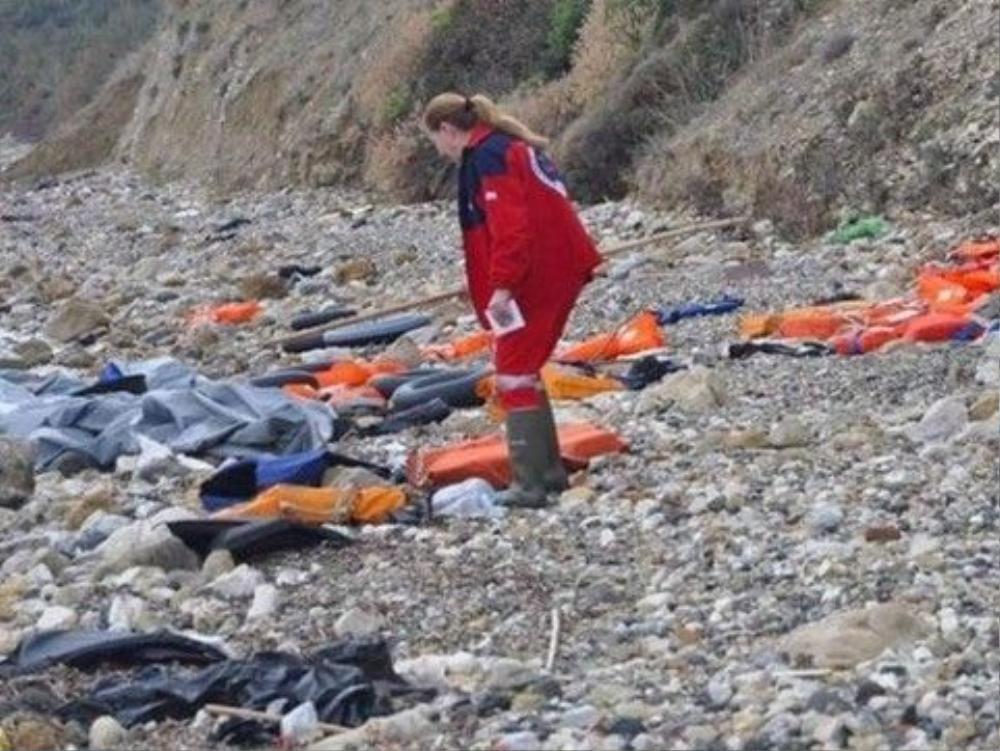 Đã có hàng trăm thi thể người tị nạn trôi dạt vào bờ biển Lybia. Ảnh: Hellenic Rescue Team