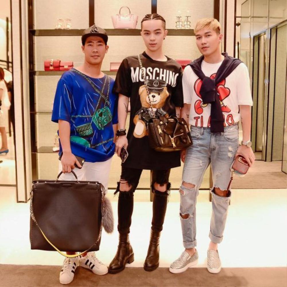 Còn stylist Lê Minh Ngọc (ngoài cùng bên phải) đang là người phụ trách hình ảnh, trang phục cho Hồ Quỳnh Hương thời gian gần đây.