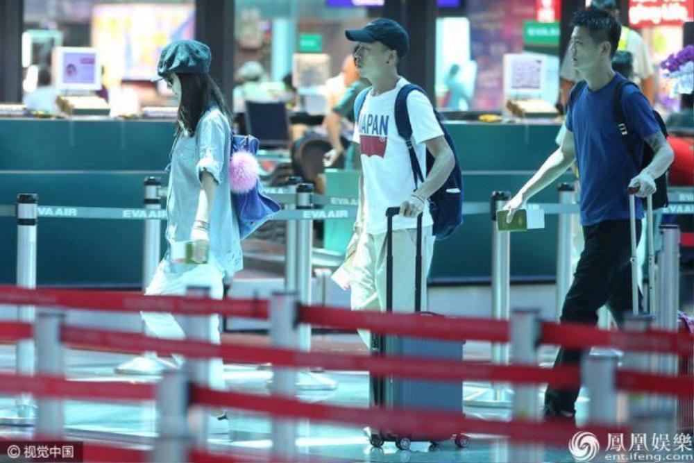 Ông xã Hoắc Kiến Hoa đang bận đóng phim nên không hộ tống Lâm Tâm Như ra sân bay.