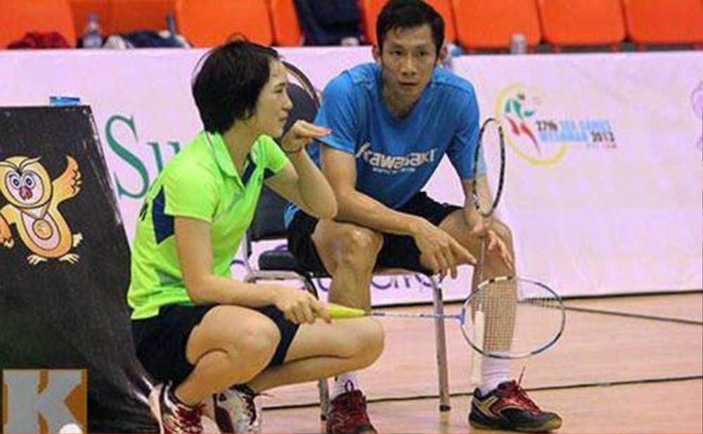 Vũ Thị Trang đưa ra những góp ý chiến thuật cho bạn trai.