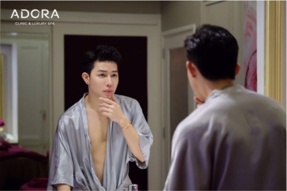 """Bạn sẽ phải thừa nhận rằng anh chàng này """"lột xác"""" thành công chẳng thua kém gì trai Hàn."""