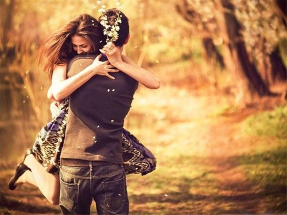 Tình yêu là thứ khó cắt nghĩa nhất trong cuộc sống.