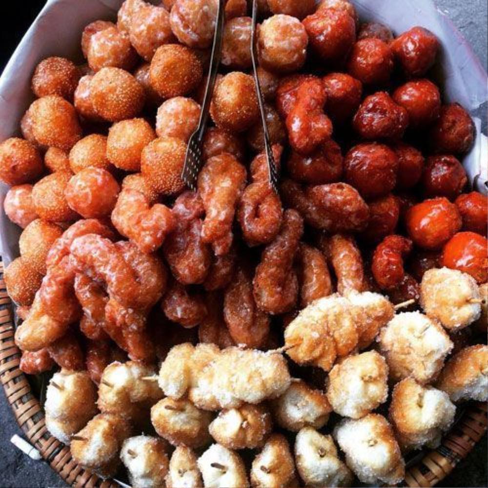 Bánh rán mặn ngọt - Vỉa hè Hàng Tre, Hoàn Kiếm (2k).