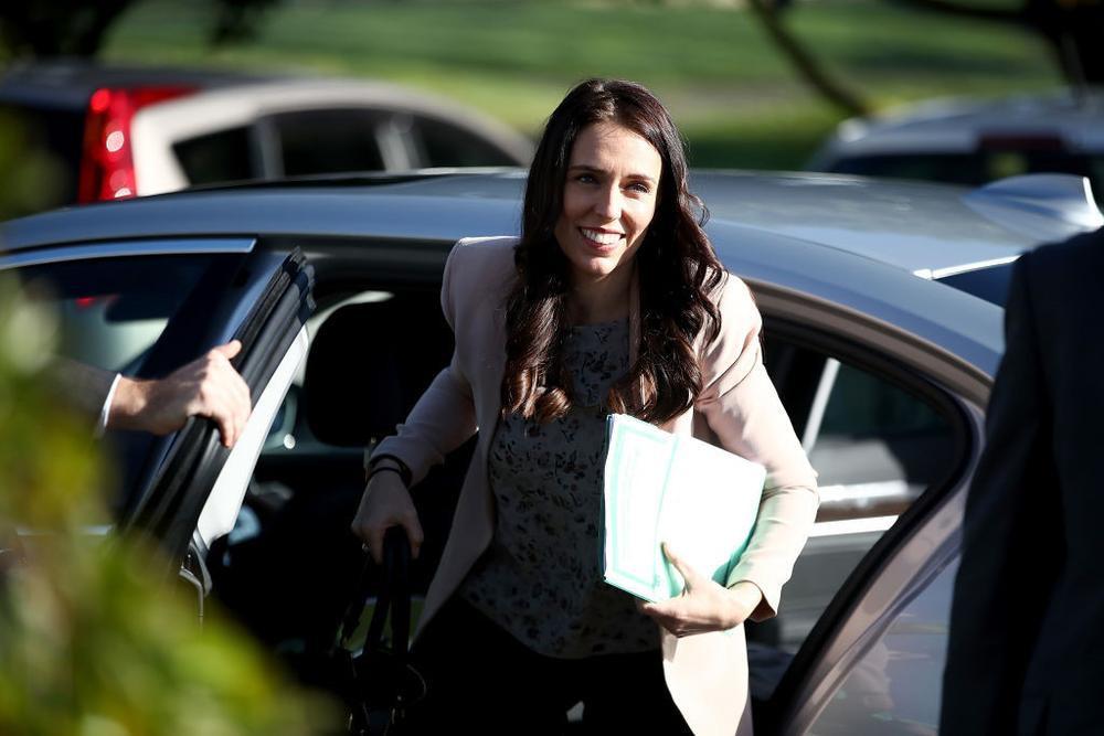 Sau khi nhậm chức cuối tháng 10 ở tuổi 37, bà Jacinda Ardern trở thành nữ thủ tướng trẻ nhất New Zealand dự APEC tại Việt Nam, nơi bà có cơ hội lần đầu gặp mặt các lãnh đạo khác.