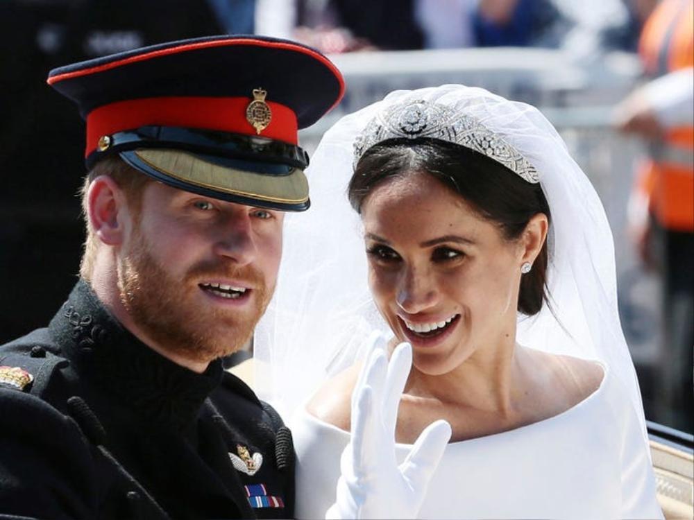 Lệnh cấm đã được dỡ bỏ, mở đường cho câu chuyện tình yêu của Hoàng tử Harry và Meghan Markle. Trước đó Meghan đã có một đời chồng.