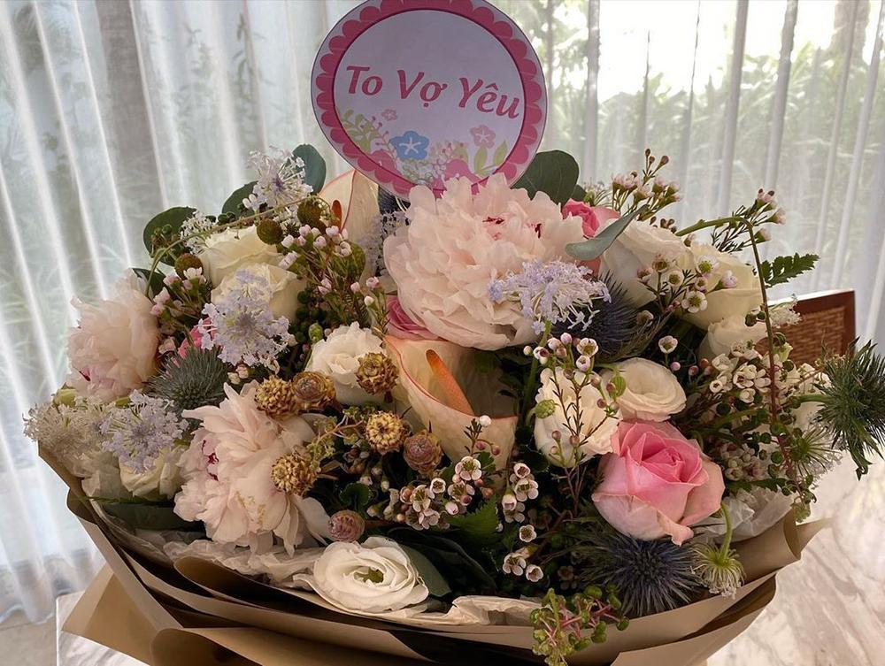 Hari Won tươi trẻ như thiếu nữ khi nhận quà sinh nhật từ ông xã Trấn Thành Ảnh 2