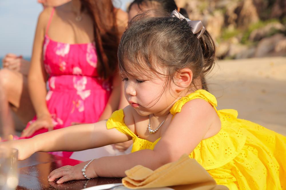 Con gái siêu mẫu Hà Anh mừng sinh nhật 2 tuổi, ngày càng ra dáng tiểu thư Ảnh 3