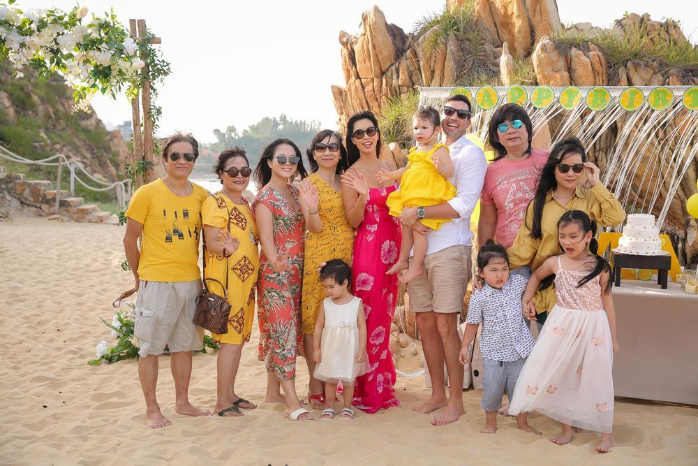 Con gái siêu mẫu Hà Anh mừng sinh nhật 2 tuổi, ngày càng ra dáng tiểu thư Ảnh 2