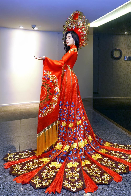 Khả Trang - Thúy Vân - Tường San - Hoài Sa quyền lực với National Costume Nữ thần phương Đông Ảnh 4