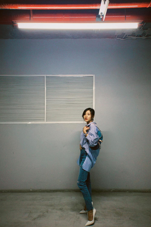 Văn Mai Hương bị soi thân hình mập mạp khác xa trên poster cùng thời trang gây tranh cãi Ảnh 7