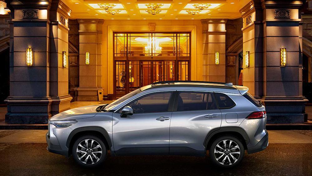 Toyota trình làng Corolla Cross: Sẽ có giá rẻ khi về Việt Nam? Ảnh 2