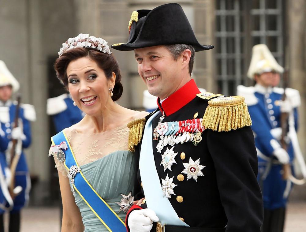 Bí ẩn tủ đồ Hoàng gia: 15 lần phụ nữ Hoàng gia khéo léo sửa lại quần áo cũ để tái sử dụng Ảnh 9