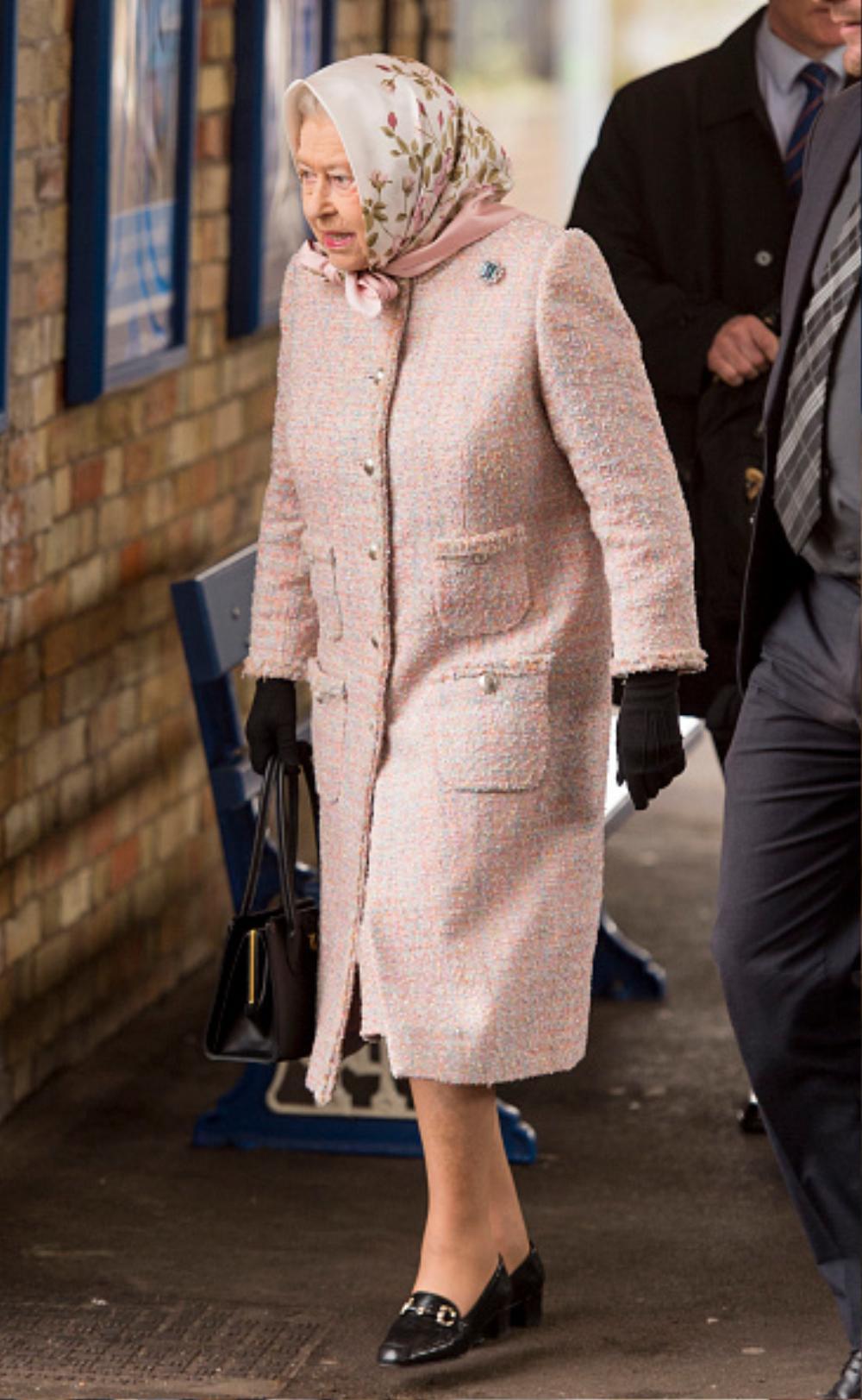 Bí ẩn tủ đồ Hoàng gia: 15 lần phụ nữ Hoàng gia khéo léo sửa lại quần áo cũ để tái sử dụng Ảnh 18