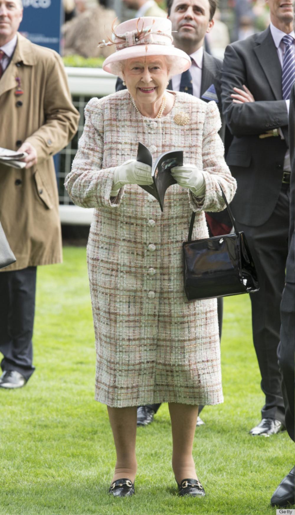 Bí ẩn tủ đồ Hoàng gia: 15 lần phụ nữ Hoàng gia khéo léo sửa lại quần áo cũ để tái sử dụng Ảnh 19