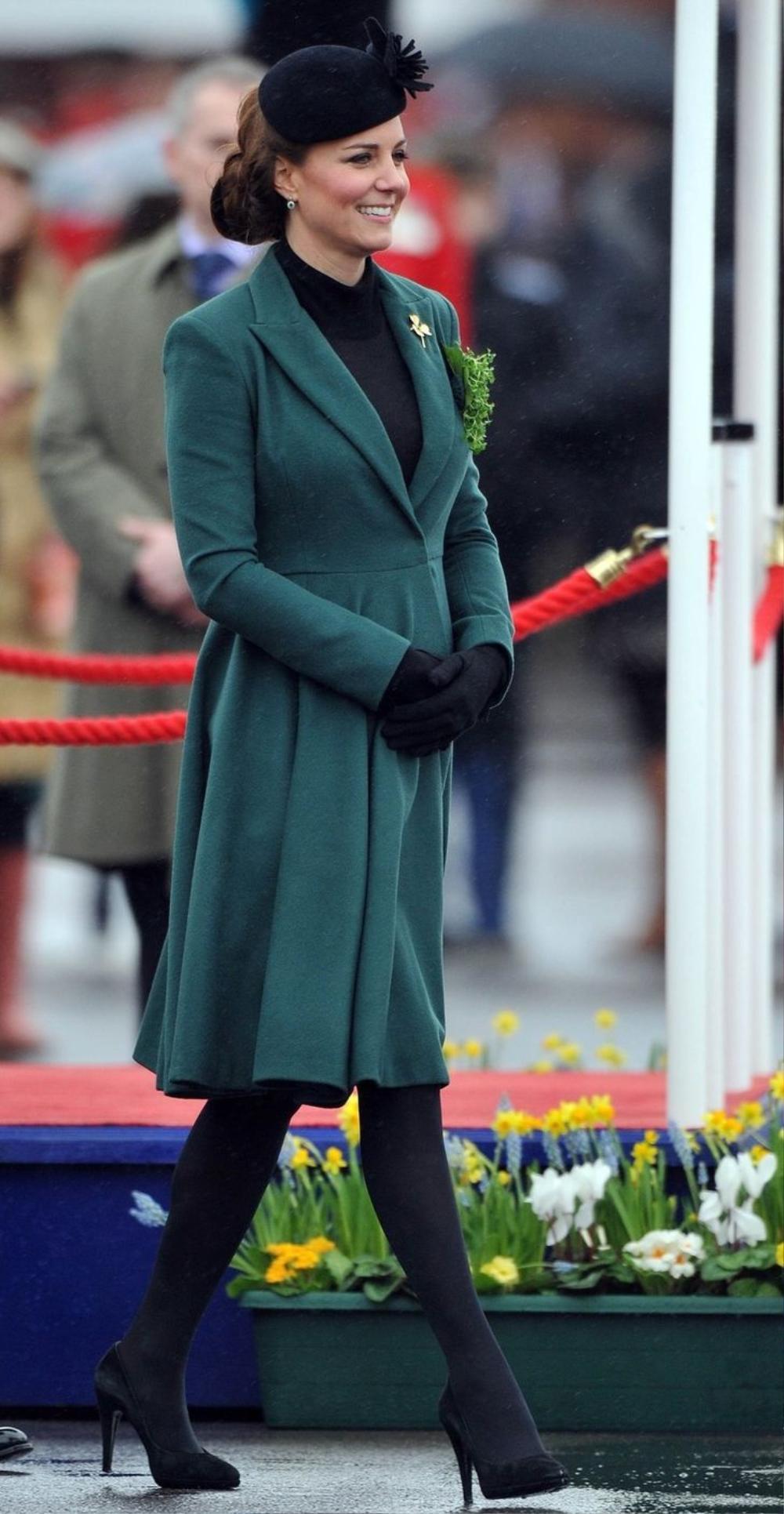 Bí ẩn tủ đồ Hoàng gia: 15 lần phụ nữ Hoàng gia khéo léo sửa lại quần áo cũ để tái sử dụng Ảnh 21
