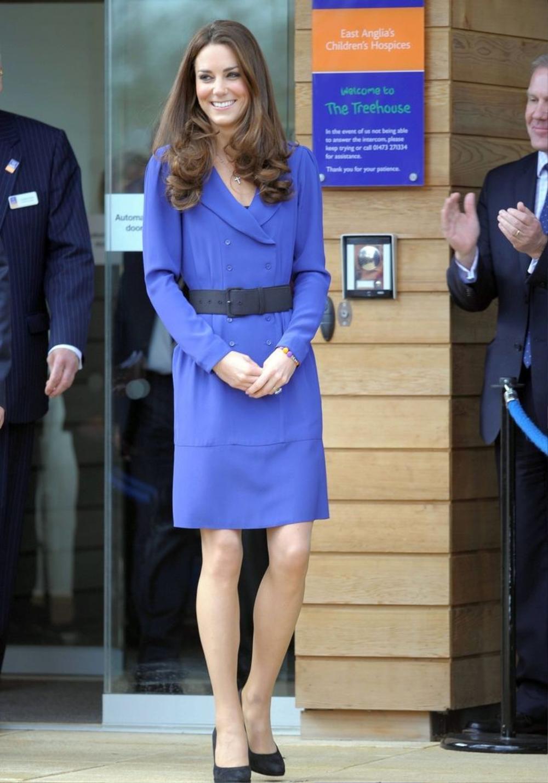 Bí ẩn tủ đồ Hoàng gia: 15 lần phụ nữ Hoàng gia khéo léo sửa lại quần áo cũ để tái sử dụng Ảnh 23