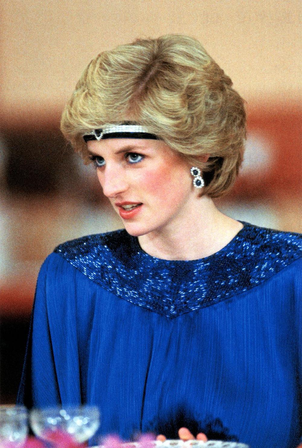 Bí ẩn tủ đồ Hoàng gia: 15 lần phụ nữ Hoàng gia khéo léo sửa lại quần áo cũ để tái sử dụng Ảnh 4