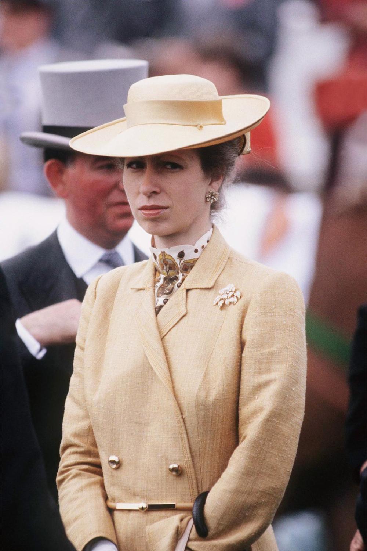Bí ẩn tủ đồ Hoàng gia: 15 lần phụ nữ Hoàng gia khéo léo sửa lại quần áo cũ để tái sử dụng Ảnh 5