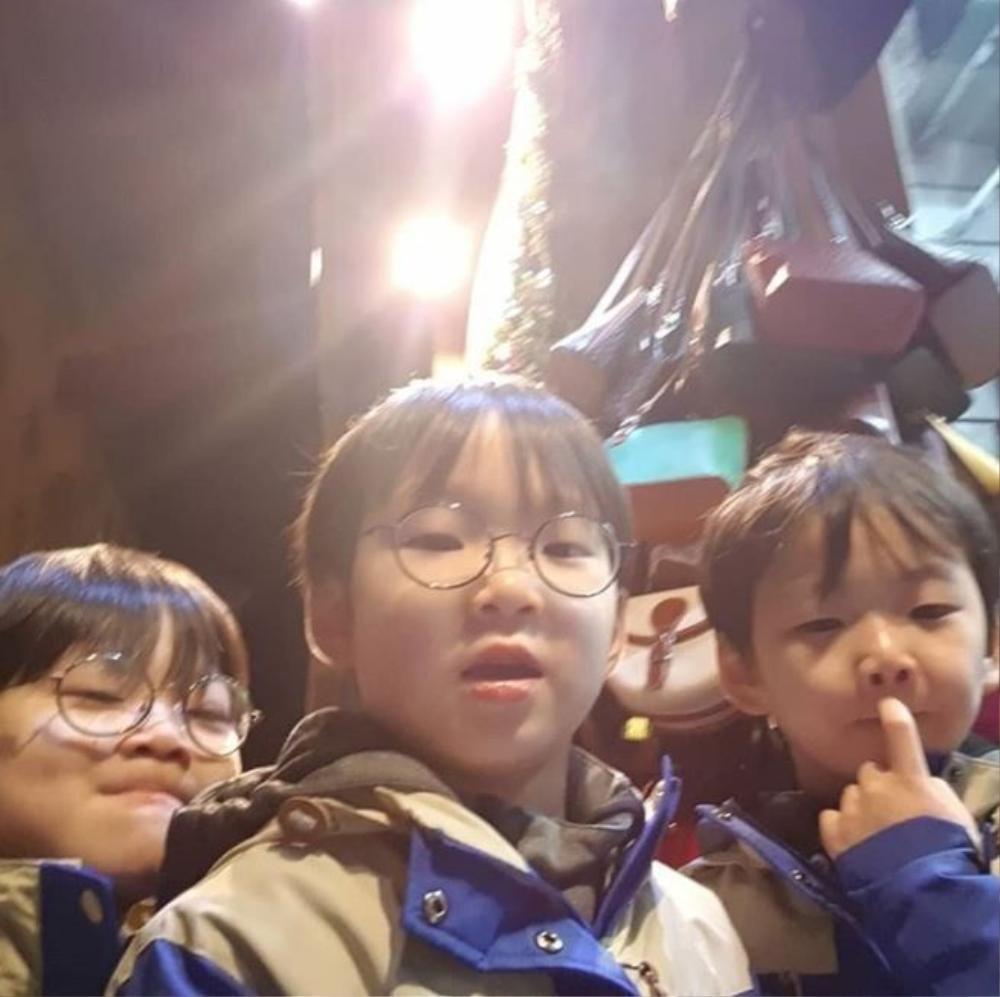 Song Il Gook chia sẻ về bộ ba: Daehan chơi piano rất hay, Minguk dự sẽ debut làm diễn viên? Ảnh 9