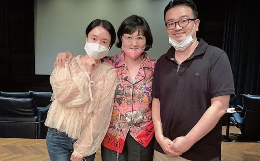 'Bán đảo Peninsula' đạt 3 triệu vé: Son Ye Ji - Lee Byung Hun, Seohyun cùng 15 sao Hàn kéo nhau đi xem Ảnh 7