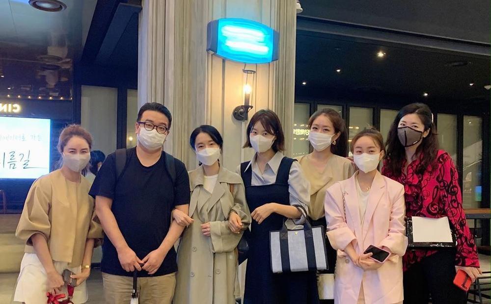 'Bán đảo Peninsula' đạt 3 triệu vé: Son Ye Ji - Lee Byung Hun, Seohyun cùng 15 sao Hàn kéo nhau đi xem Ảnh 6