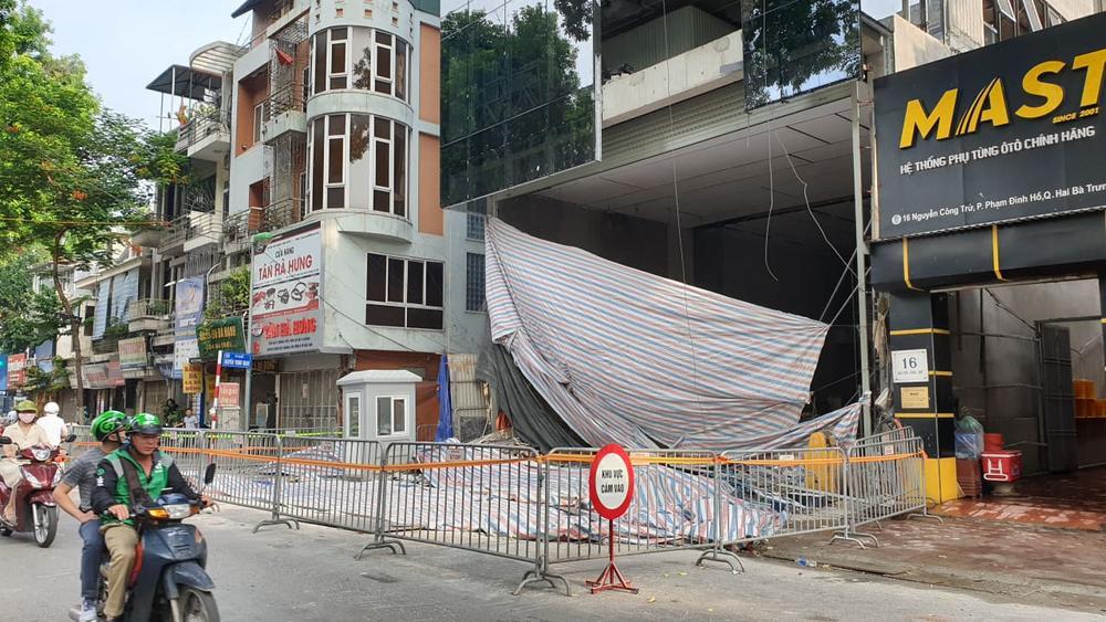 Danh tính 4 nạn nhân tử vong trong vụ sập giàn kính ở Hà Nội: Hai người là mẹ con Ảnh 1